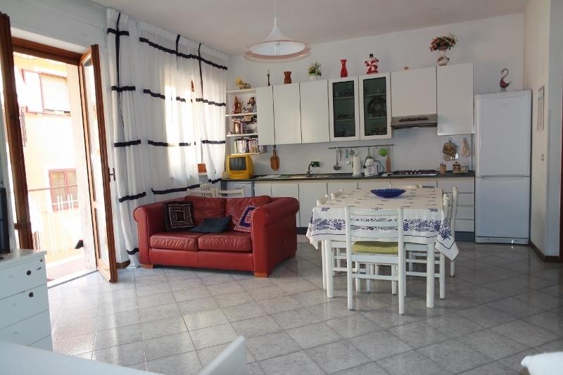Appartamento in affitto a Grottammare, 2 locali, prezzo € 450   Cambio Casa.it