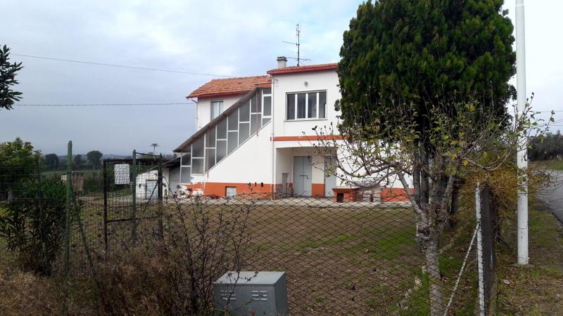 Rustico / Casale in vendita a Controguerra, 6 locali, prezzo € 250.000 | CambioCasa.it