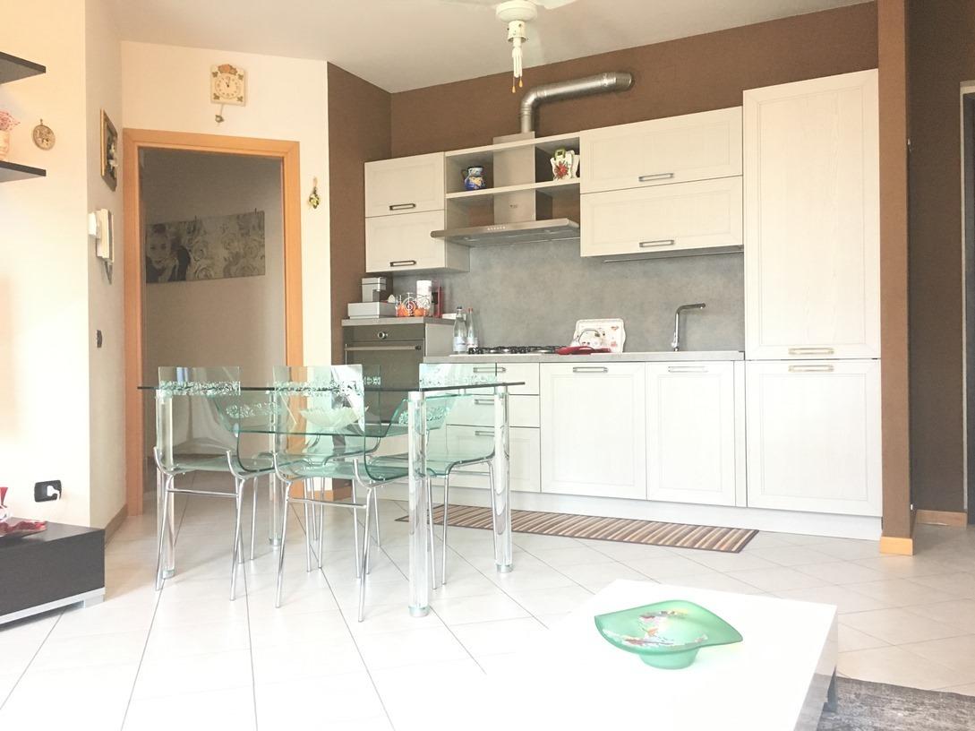 Appartamento in vendita a Cologne, 4 locali, prezzo € 120.000 | Cambio Casa.it