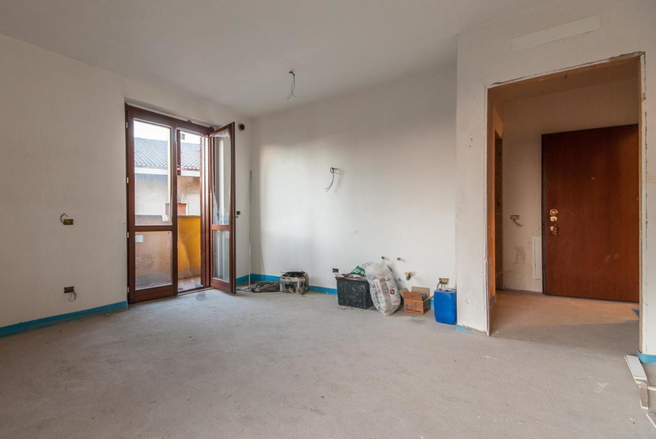 Appartamento in vendita a Mozzate, 9999 locali, prezzo € 74.000 | Cambio Casa.it