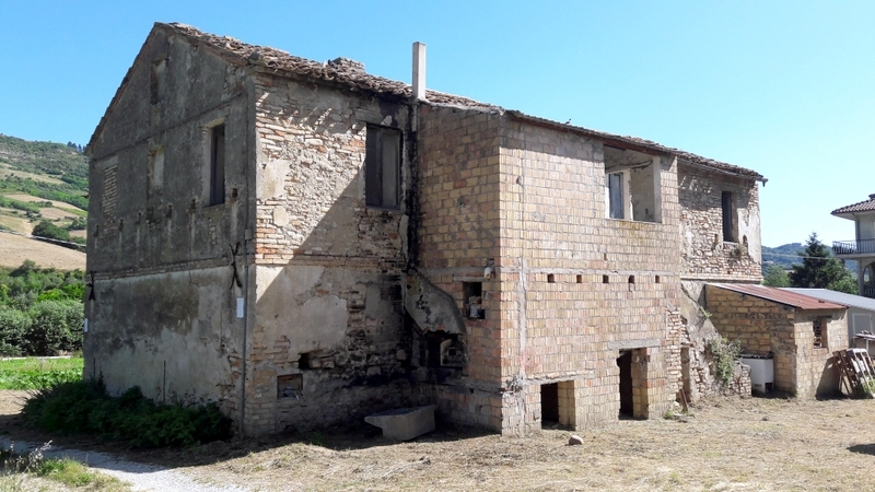 Rustico / Casale in vendita a Ripatransone, 8 locali, prezzo € 120.000 | Cambio Casa.it