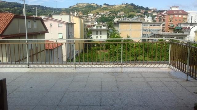 Soluzione Indipendente in vendita a San Benedetto del Tronto, 14 locali, prezzo € 900.000   Cambio Casa.it