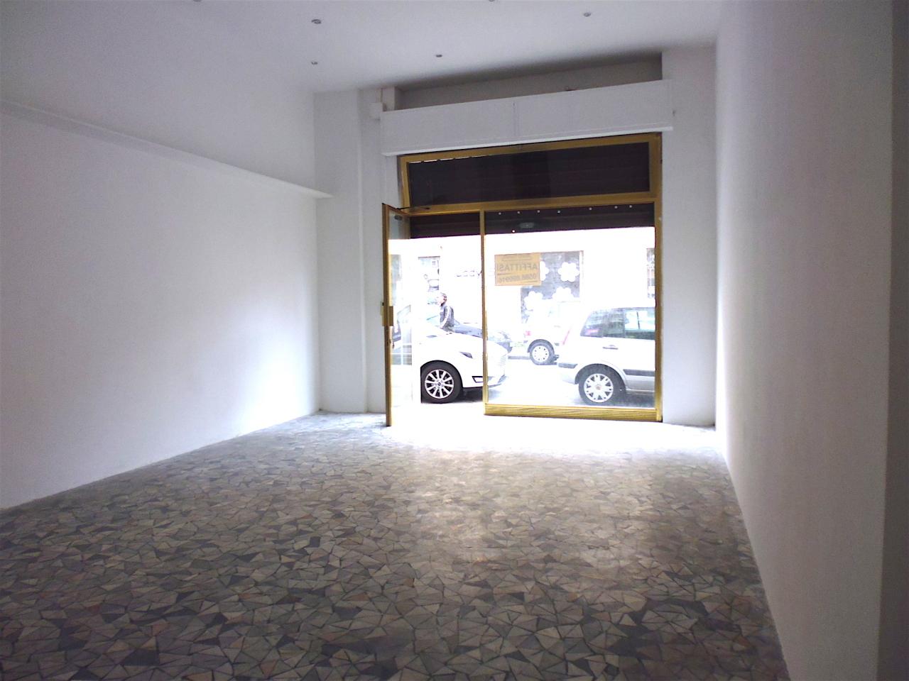 Negozio / Locale in affitto a Livorno, 2 locali, prezzo € 450 | Cambio Casa.it
