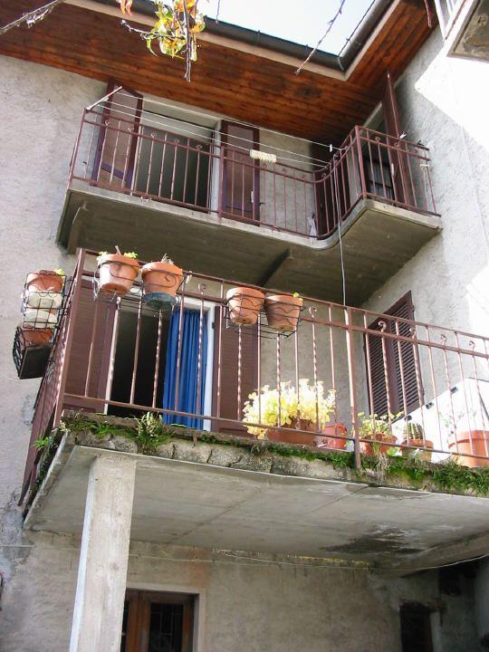 Rustico / Casale in vendita a Maccagno con Pino e Veddasca, 6 locali, prezzo € 75.000 | Cambio Casa.it