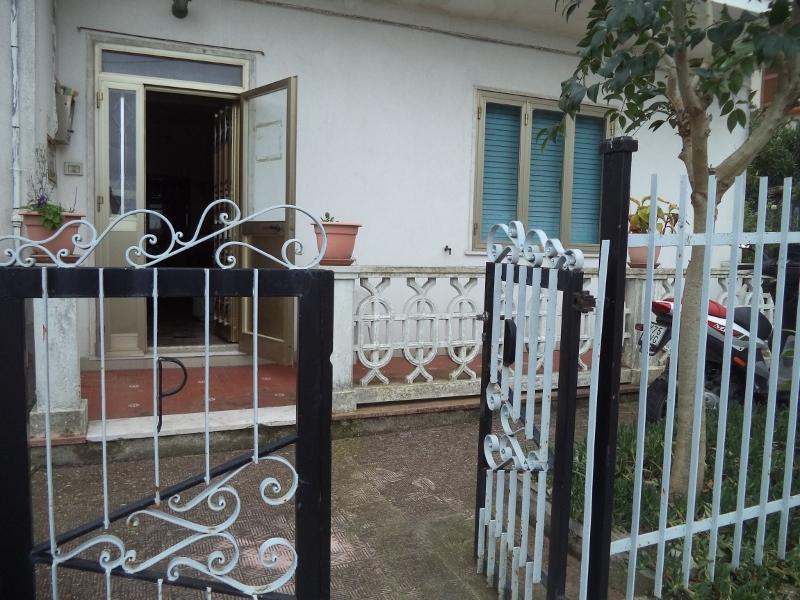 Appartamento in vendita a Colonnella, 5 locali, prezzo € 80.000 | Cambio Casa.it