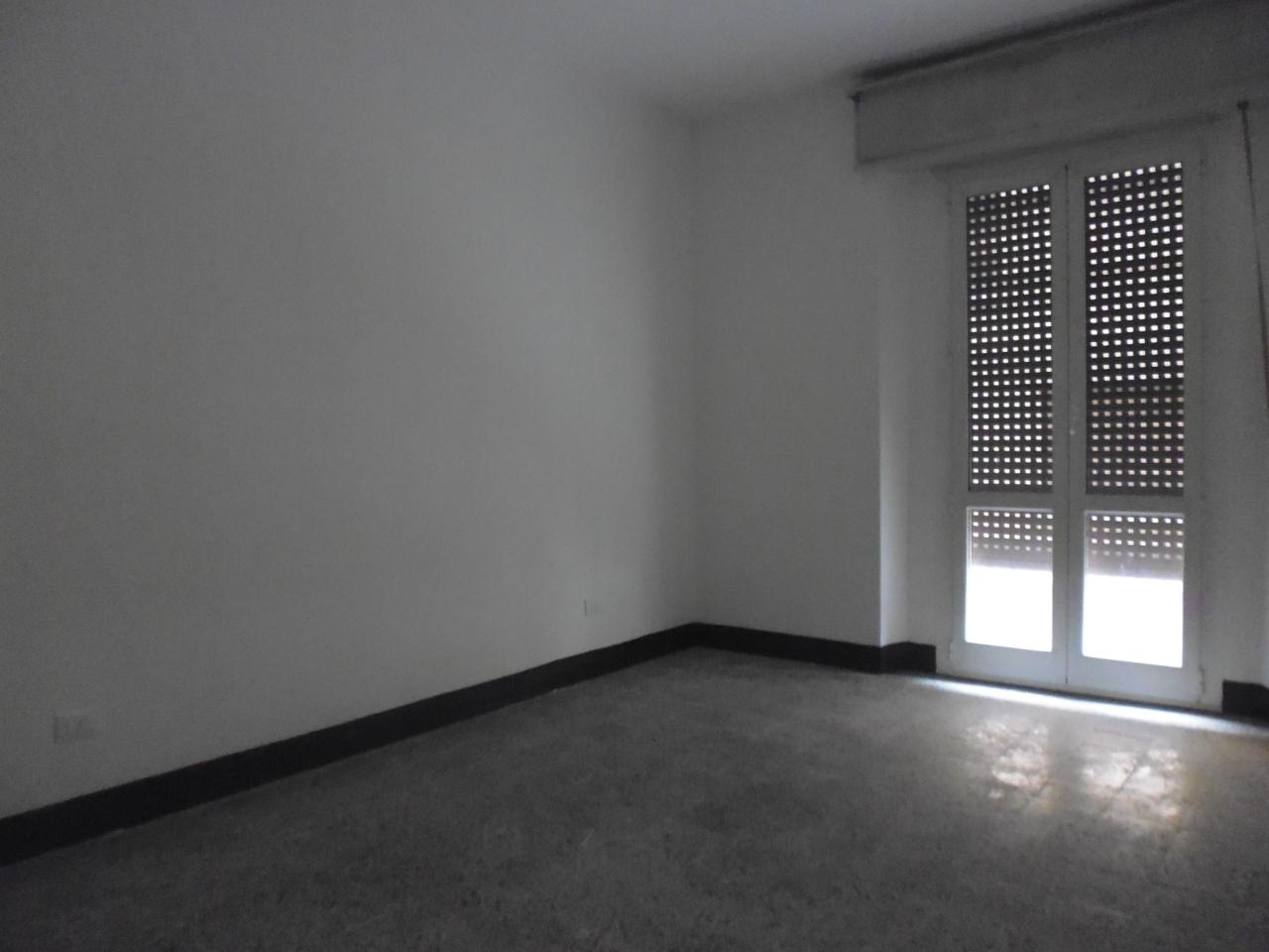 Appartamento in affitto a Livorno, 4 locali, prezzo € 650 | Cambio Casa.it