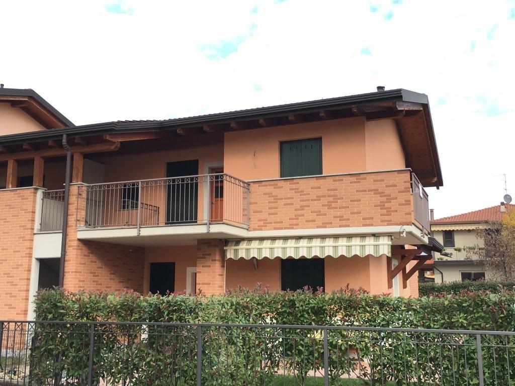 Appartamento in vendita a Palazzolo sull'Oglio, 3 locali, prezzo € 165.000 | Cambio Casa.it