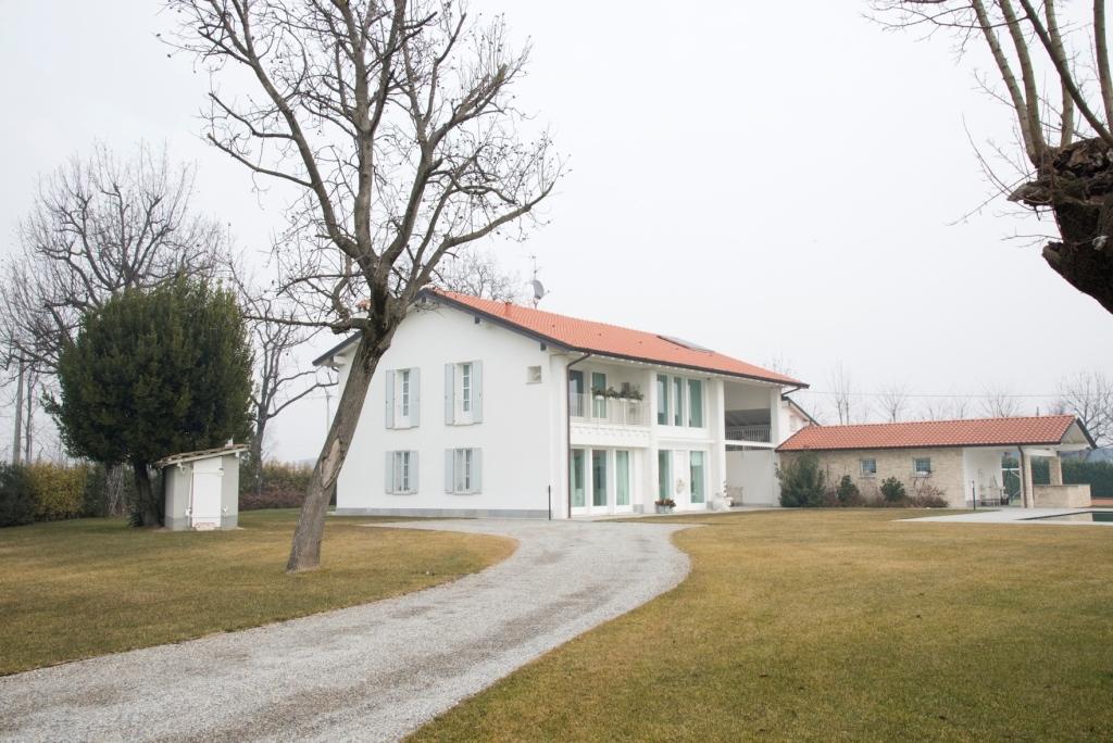 Villa in vendita a Chiari, 12 locali, prezzo € 1.150.000 | Cambio Casa.it