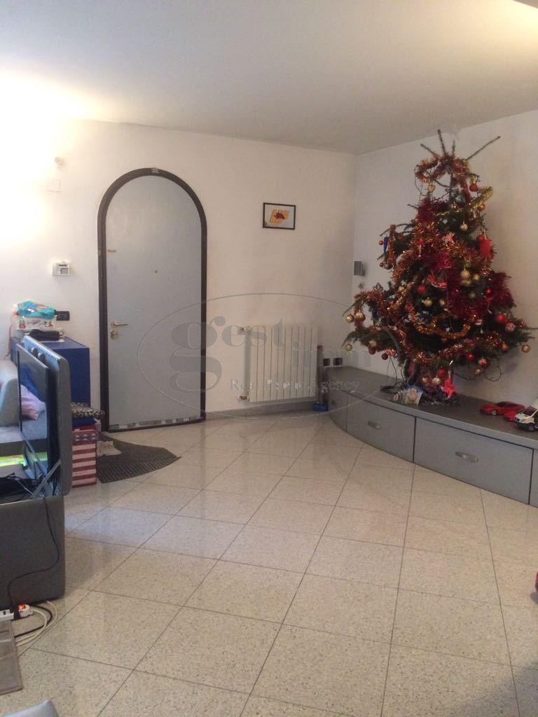 Soluzione Indipendente in vendita a Livorno, 7 locali, prezzo € 365.000 | CambioCasa.it