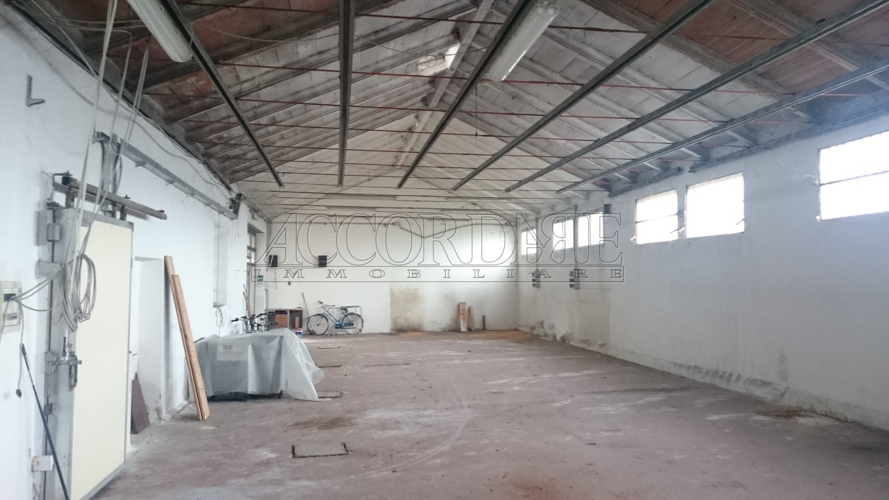 Capannone in vendita a Longare, 10 locali, prezzo € 385.000 | Cambio Casa.it