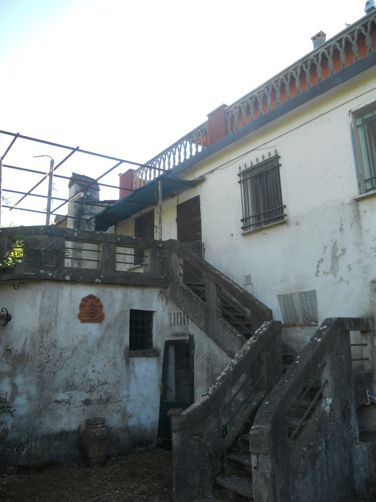 Colonica in vendita, rif. 2409