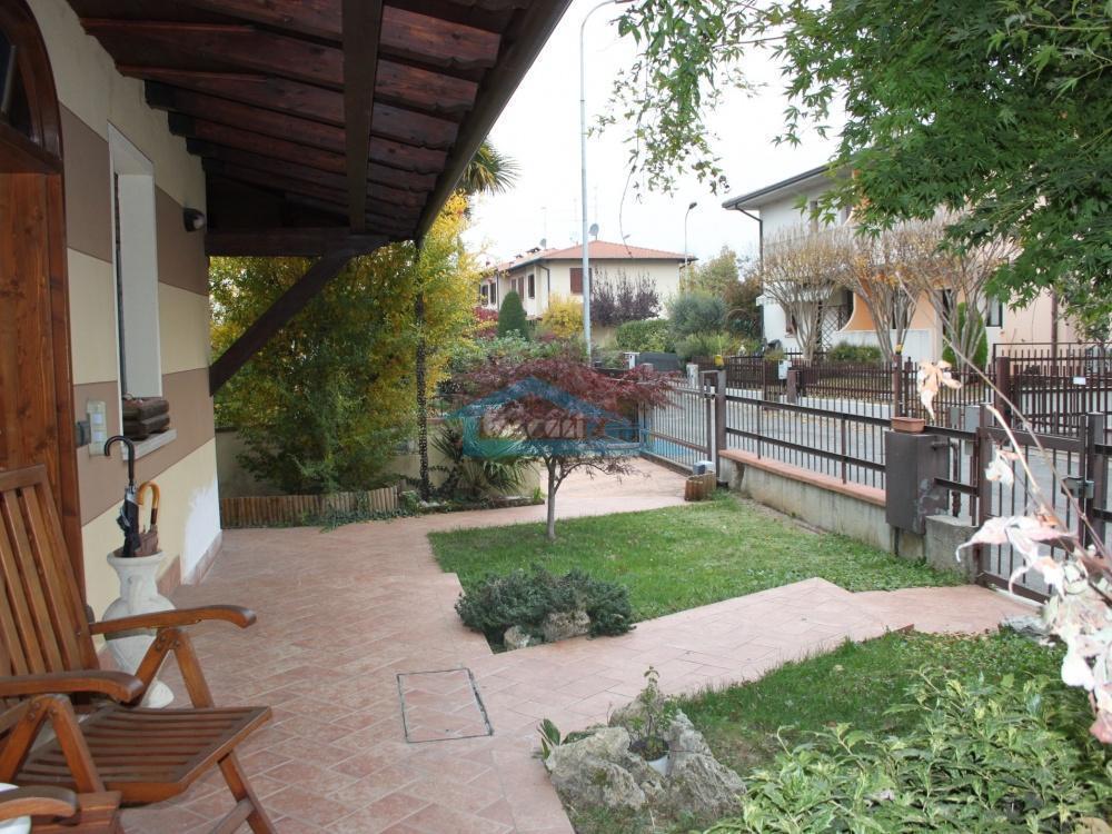 Portico Villa a schiera  a Erbusco