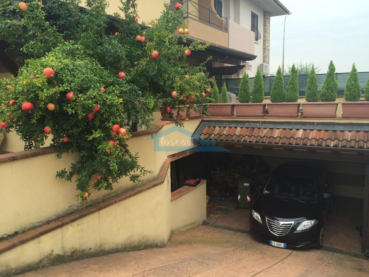 Posto Auto Villa a schiera  a Erbusco