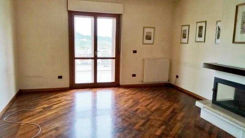 Attico / Mansarda in vendita a Monteprandone, 5 locali, prezzo € 118.000 | Cambio Casa.it