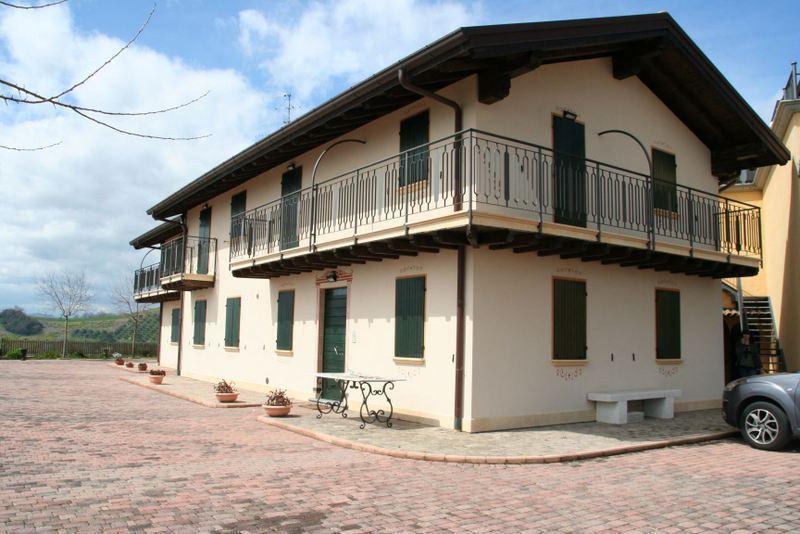 Azienda Agricola in vendita a Montefiore dell'Aso, 15 locali, prezzo € 1.100.000 | Cambio Casa.it