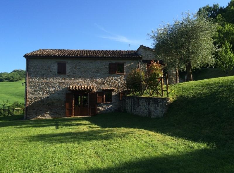 Rustico / Casale in vendita a Urbino, 8 locali, prezzo € 730.000 | CambioCasa.it