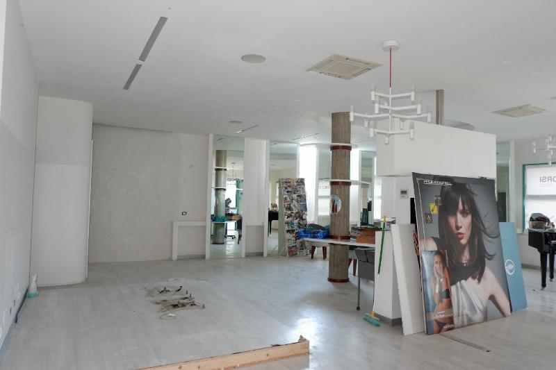Negozio / Locale in affitto a San Benedetto del Tronto, 1 locali, prezzo € 2.000 | CambioCasa.it