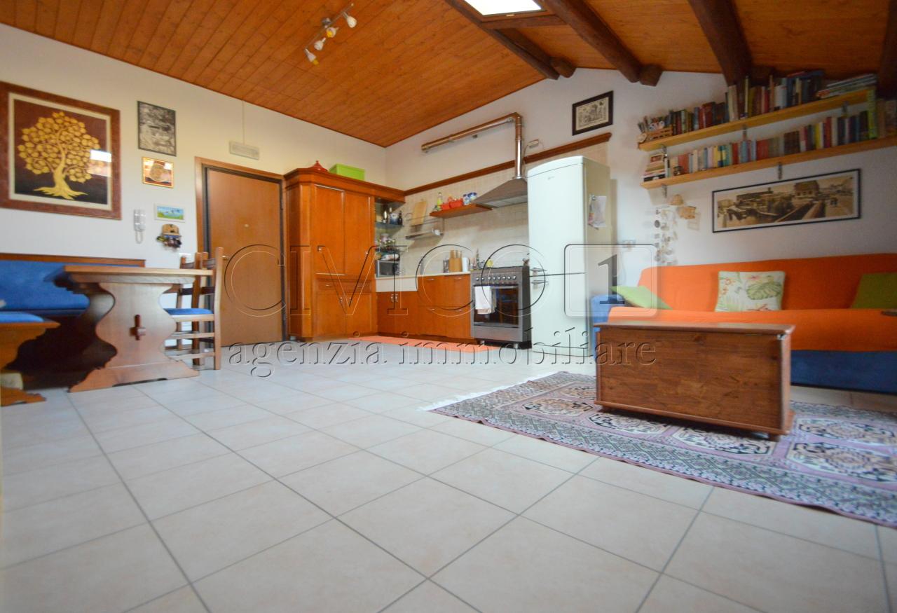 Bilocale Stanghella Via Canaletta Superiore 2