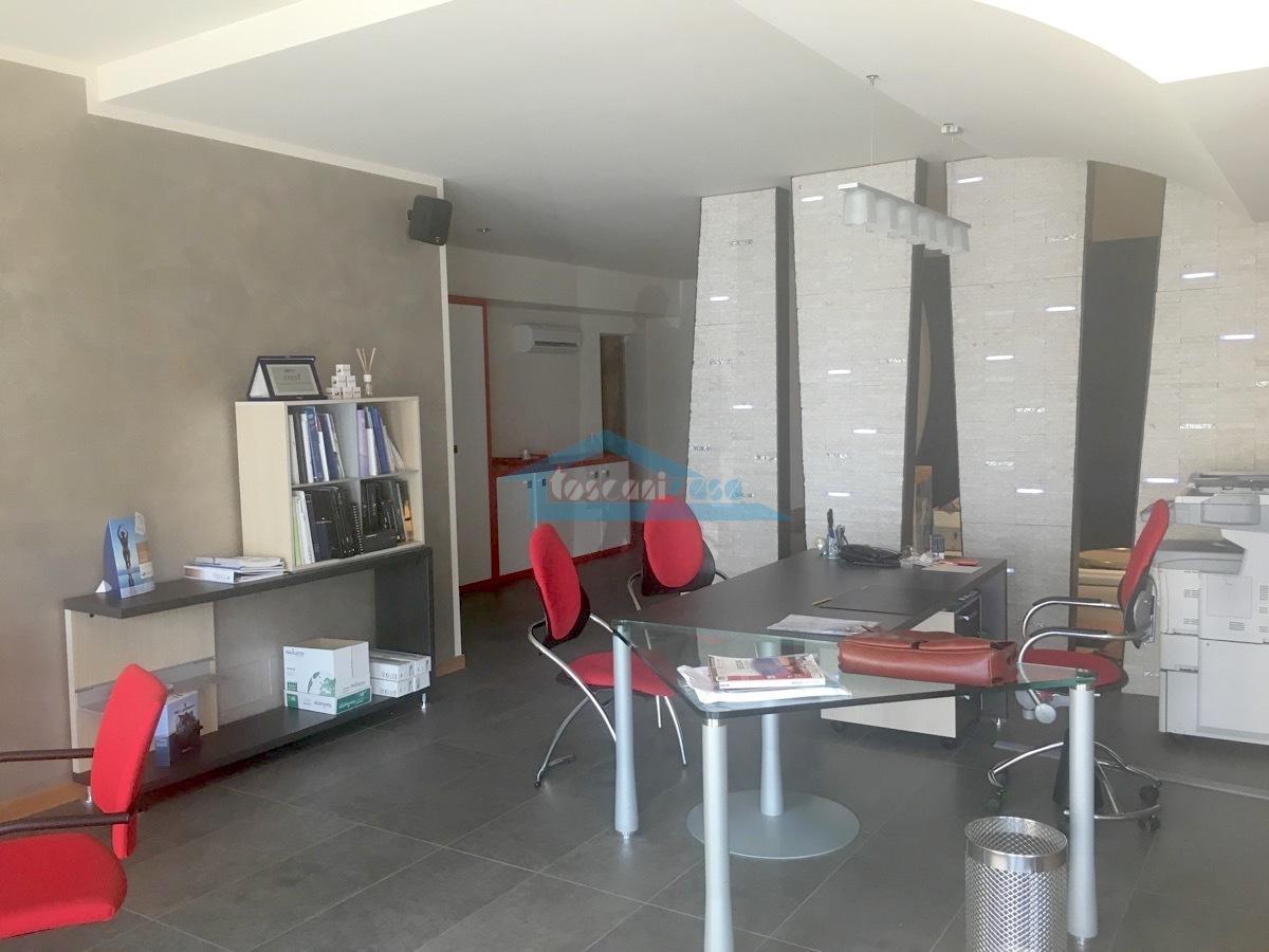 05 Interno.jpg Ufficio  a Adro