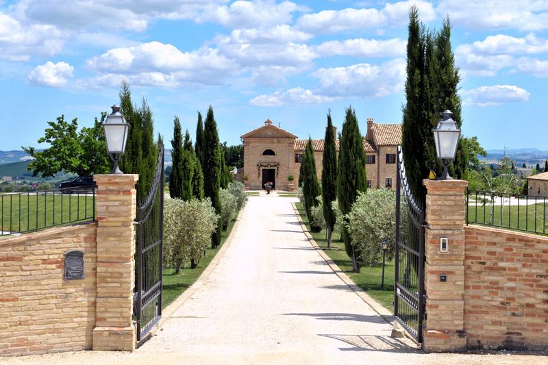 Villa in vendita a Treia, 22 locali, prezzo € 2.500.000 | Cambio Casa.it
