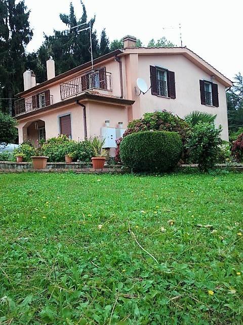 Villa in vendita a Velletri, 10 locali, prezzo € 399.000 | CambioCasa.it