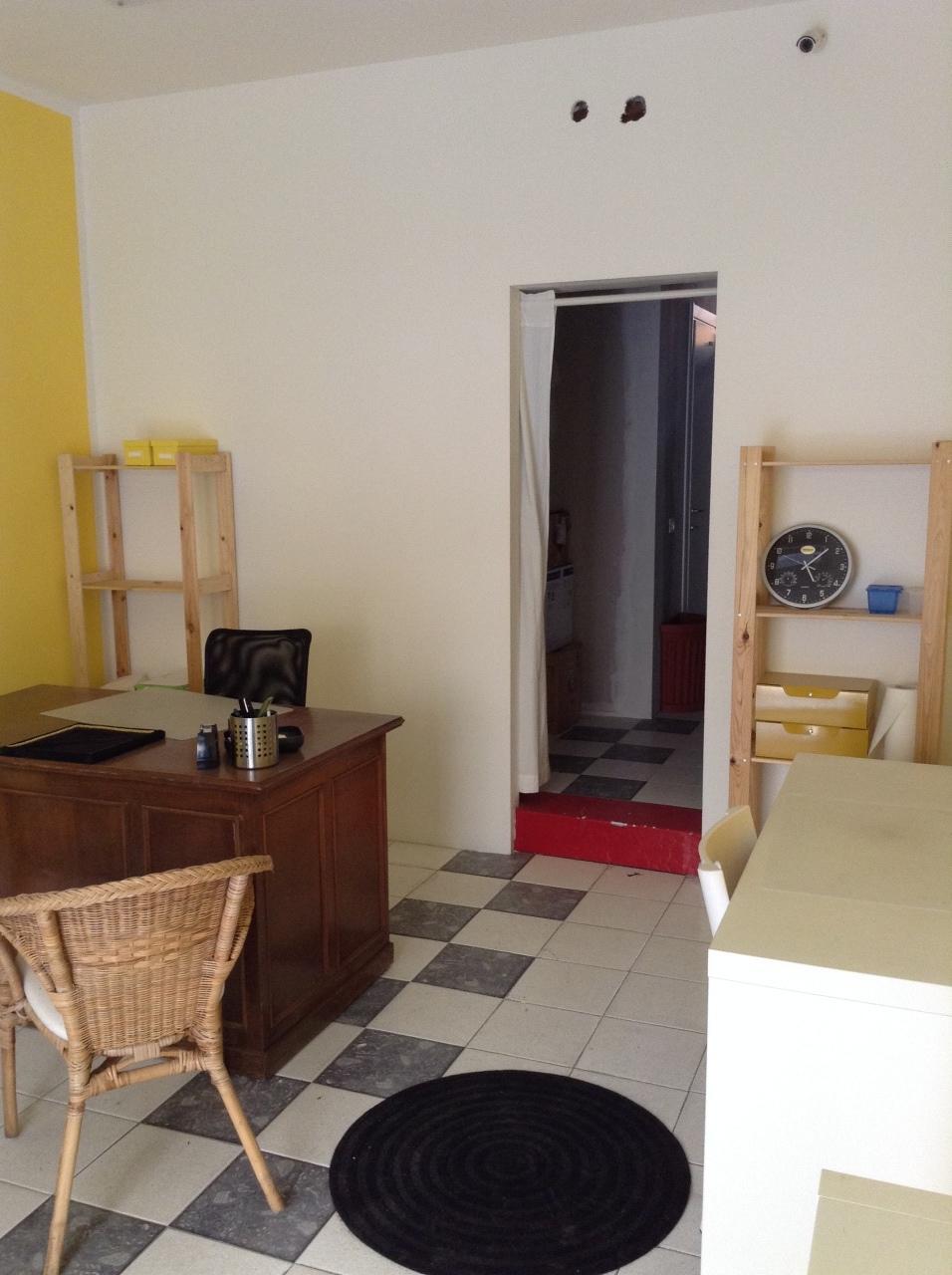Negozio / Locale in affitto a Livorno, 1 locali, prezzo € 400 | CambioCasa.it