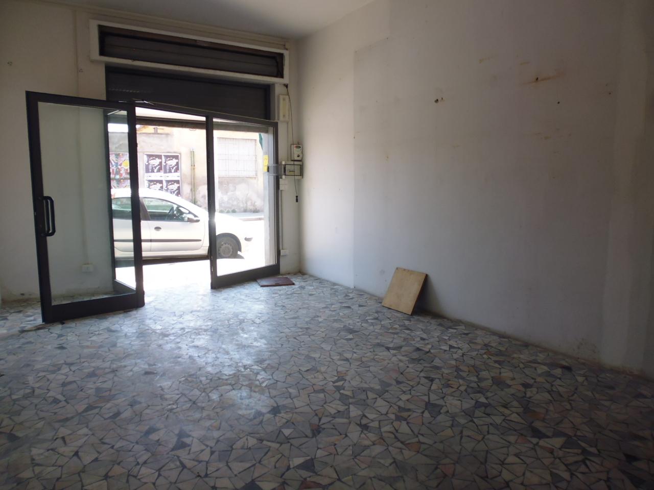 Capannone in affitto a Livorno, 1 locali, prezzo € 300   Cambio Casa.it