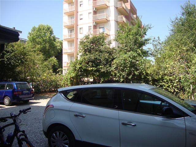 Bilocale Lignano Sabbiadoro V.le Centrale 8 13
