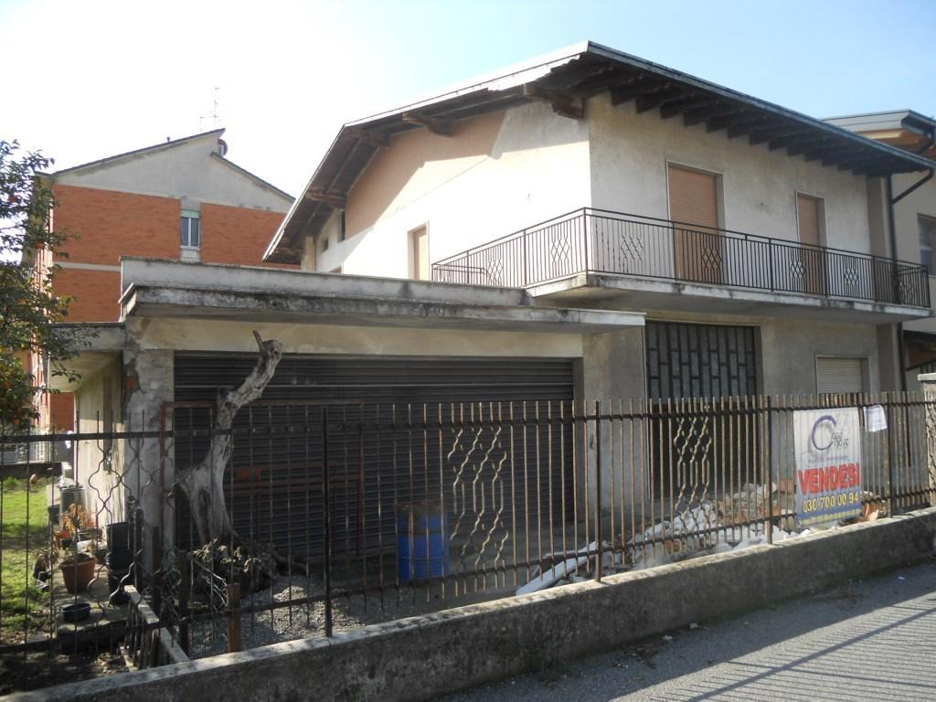 Soluzione Indipendente in vendita a Chiari, 5 locali, prezzo € 220.000 | Cambio Casa.it
