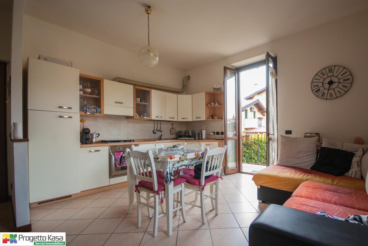 Appartamento in vendita a Carbonate, 2 locali, prezzo € 118.000 | CambioCasa.it