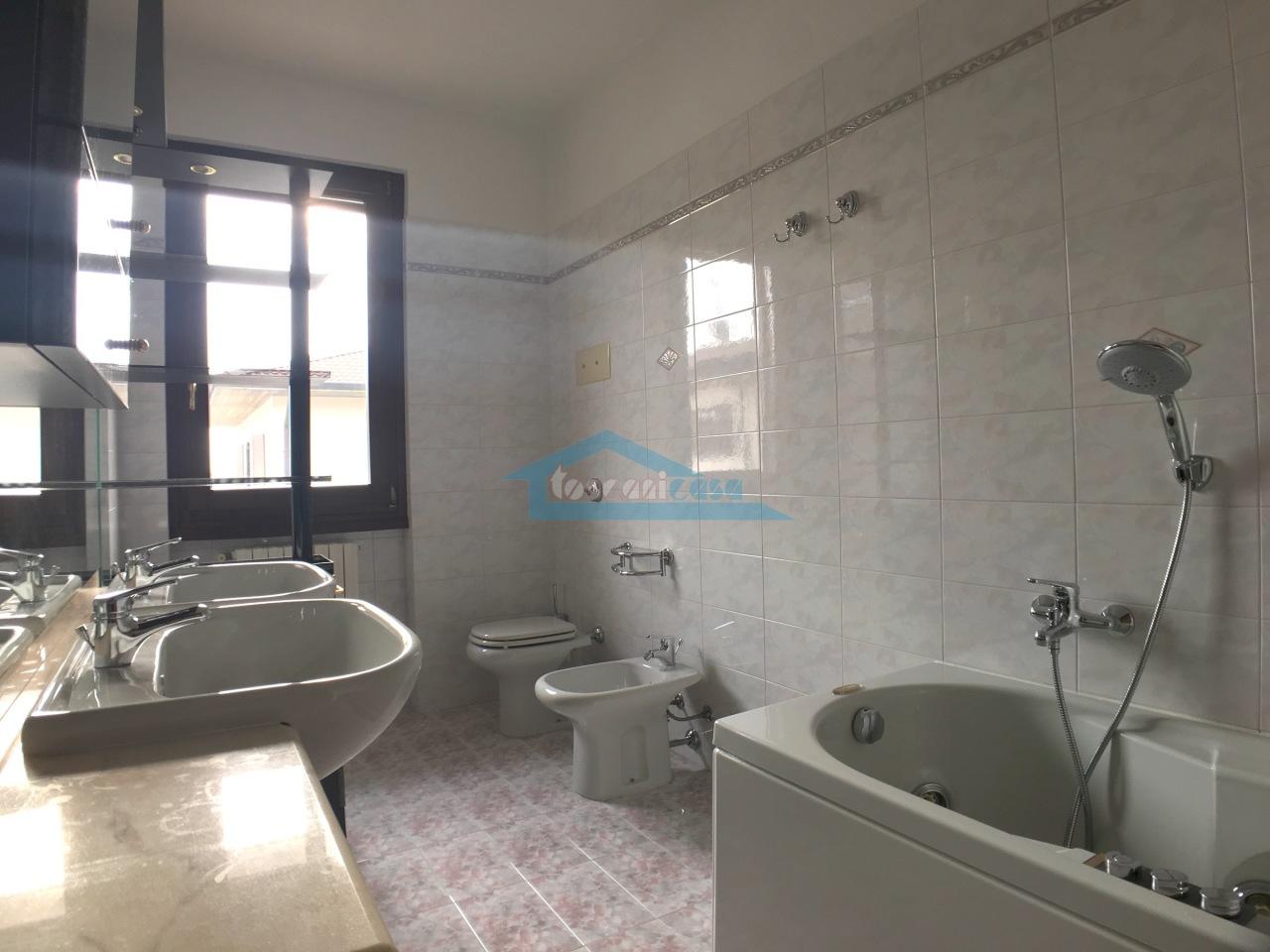 Bagno P1 Villa a schiera  a Adro