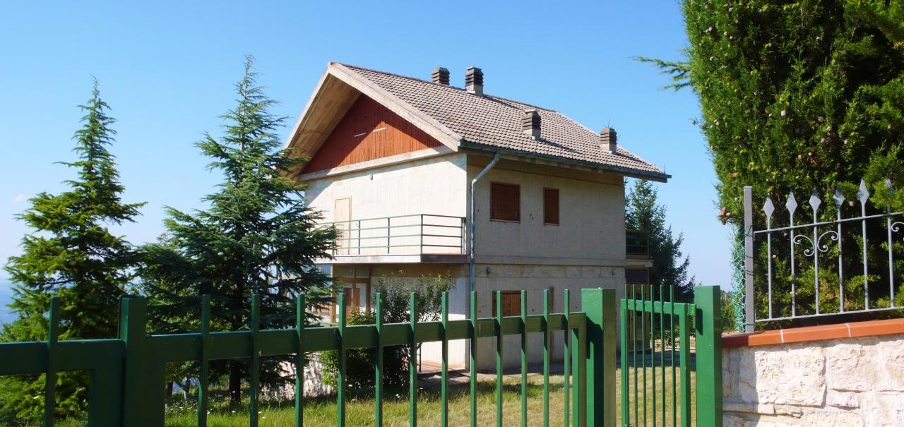 Soluzione Indipendente in vendita a Valle Castellana, 5 locali, prezzo € 80.000 | Cambio Casa.it
