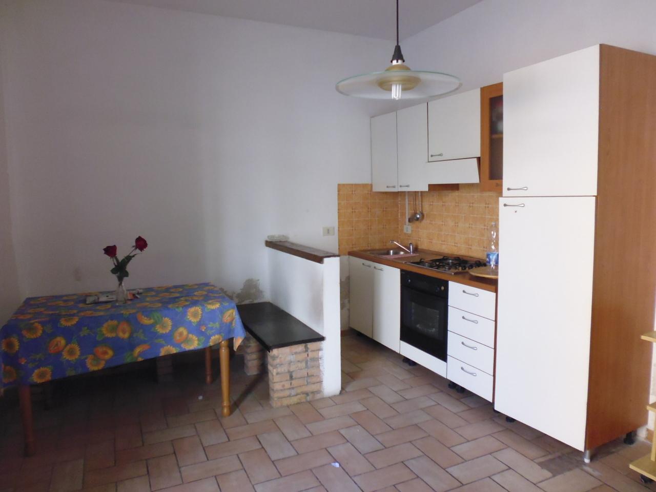 Appartamento in affitto a Livorno, 2 locali, prezzo € 450 | CambioCasa.it