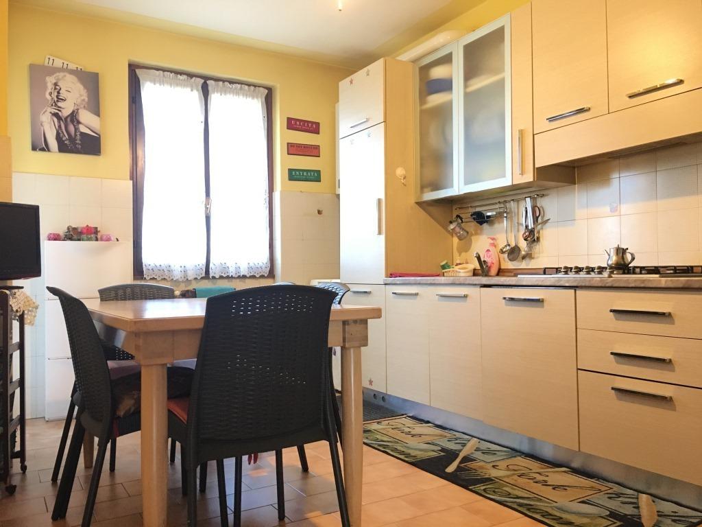 Appartamento in vendita a Coccaglio, 4 locali, prezzo € 115.000 | Cambio Casa.it