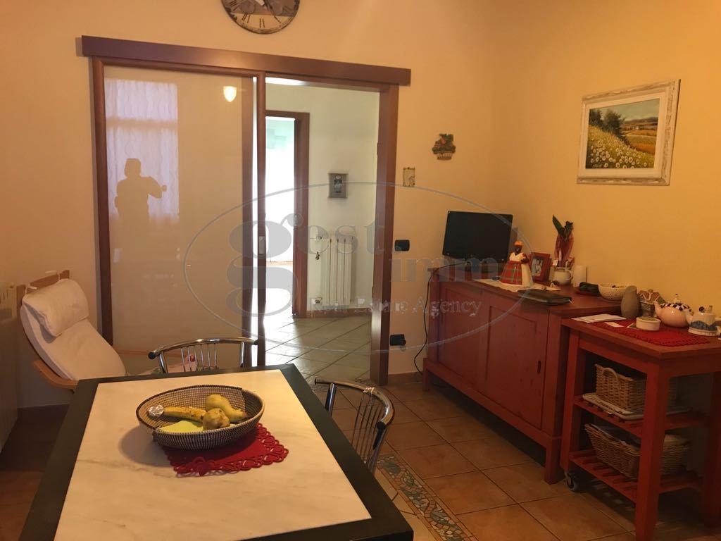 Appartamento in vendita a Livorno, 4 locali, prezzo € 245.000 | CambioCasa.it
