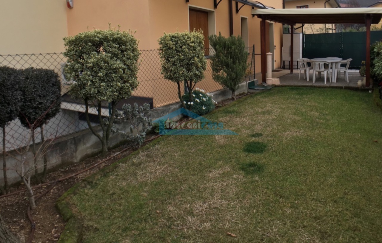 Giardino Appartamento  a Adro