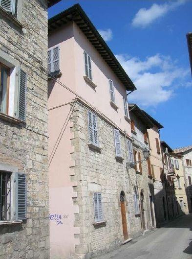 Soluzione Indipendente in vendita a Ascoli Piceno, 8 locali, prezzo € 350.000 | CambioCasa.it
