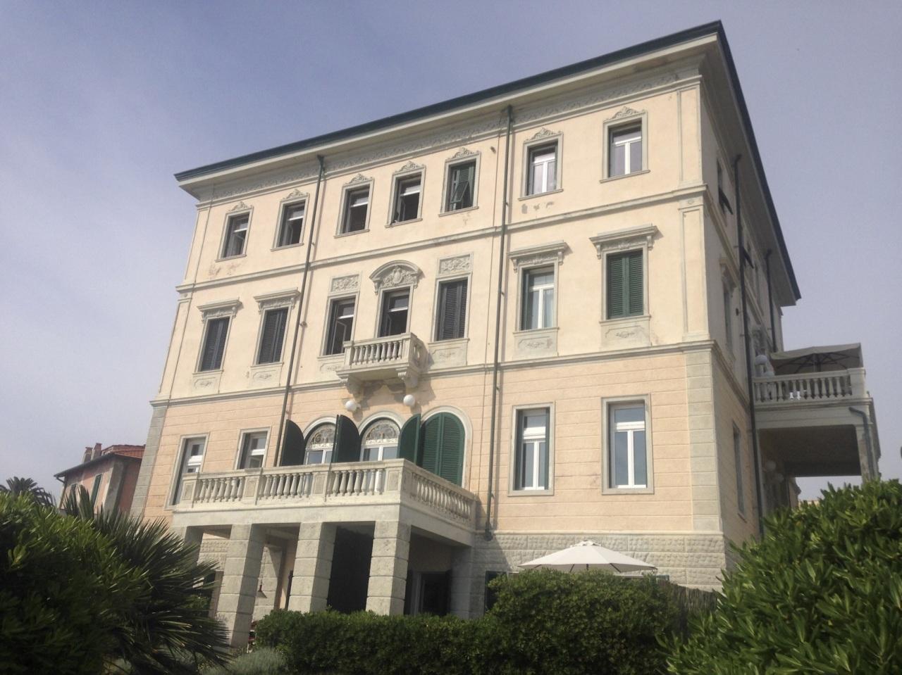 Bilocale Livorno Viale Vespucci  56 9