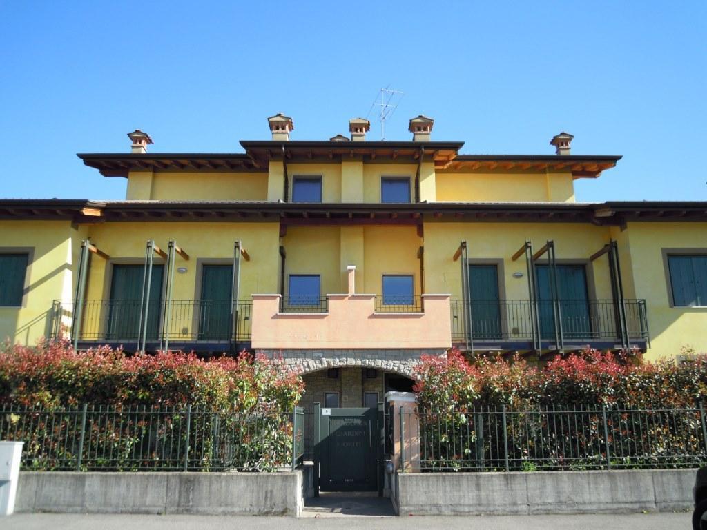 Appartamento in vendita a Capriolo, 3 locali, prezzo € 89.000 | Cambio Casa.it
