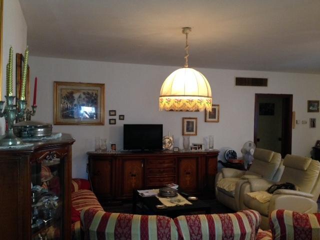 Appartamento in vendita a Chiari, 4 locali, prezzo € 140.000 | Cambio Casa.it