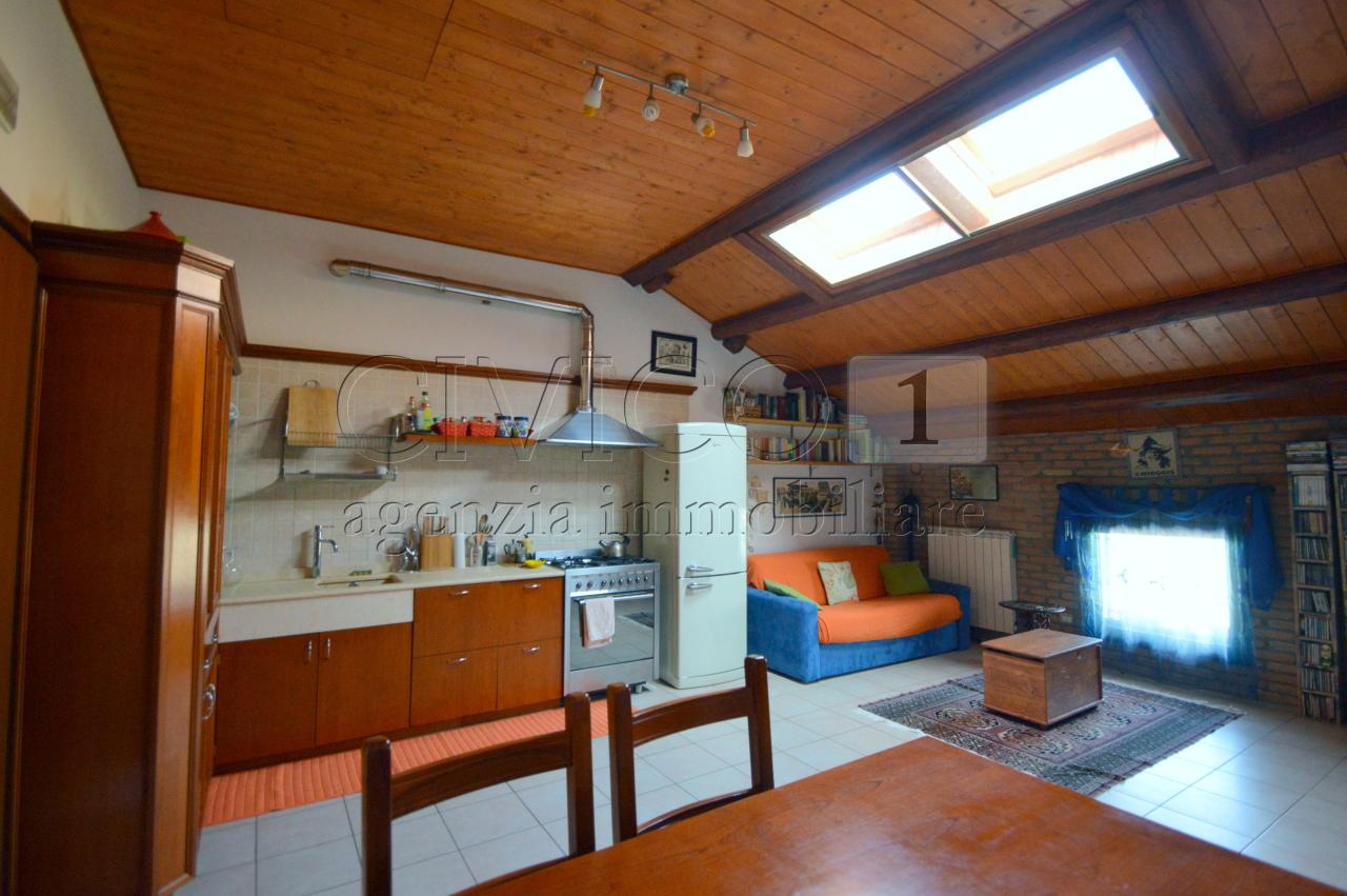 Bilocale Stanghella Via Canaletta Superiore 12