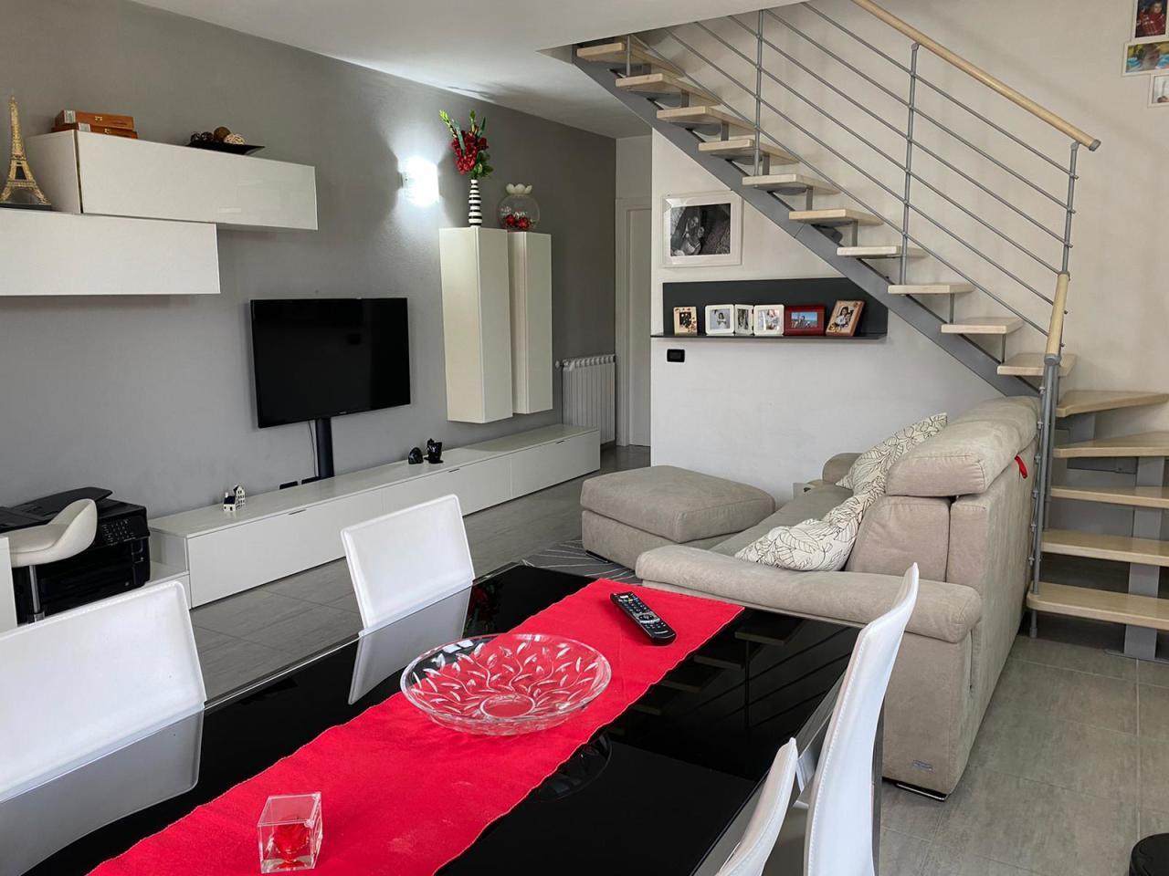 Casa semindipendente in vendita, rif. 2898