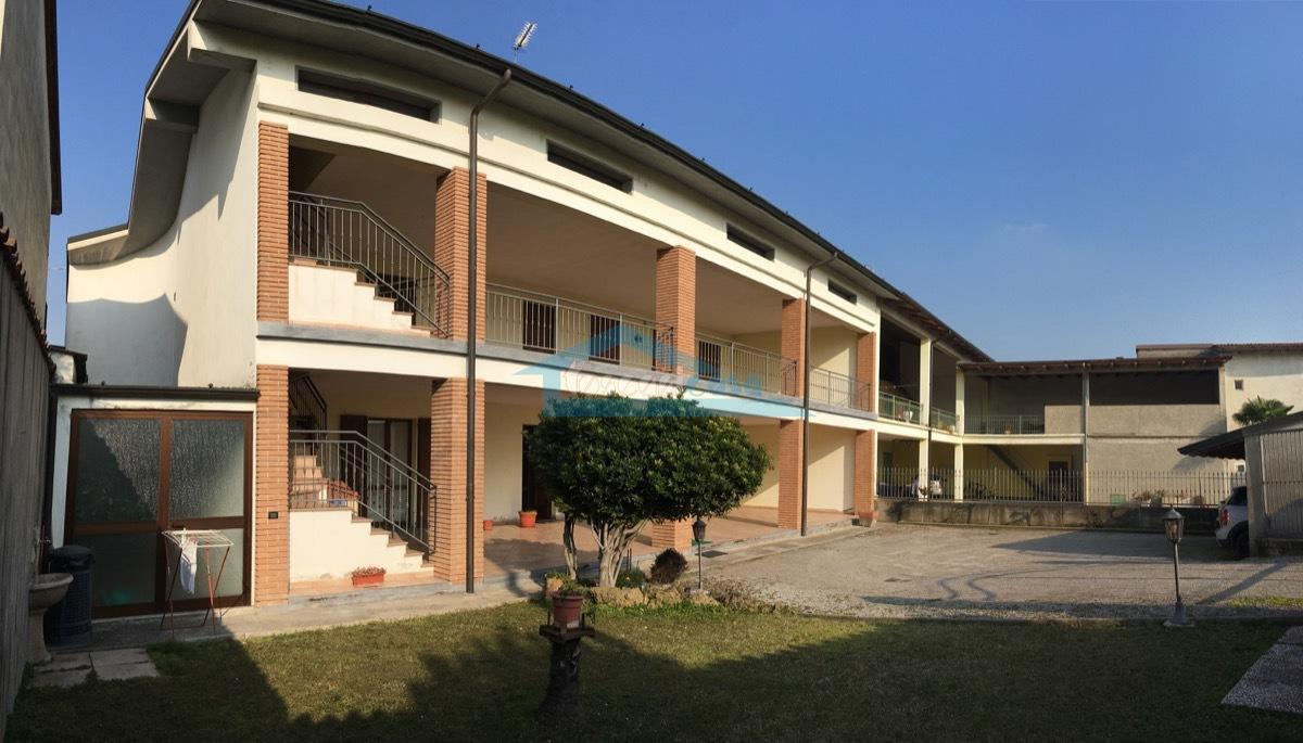 Panoramica Cascina corte Appartamento  a Cazzago San Martino