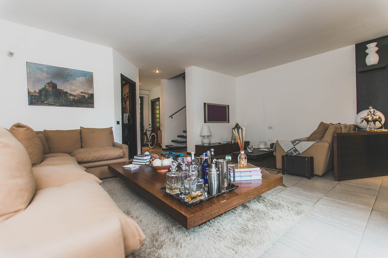 Appartamento in vendita a Milano, 5 locali, prezzo € 850.000 | Cambio Casa.it