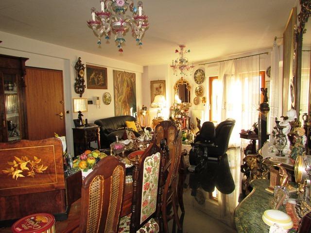 Appartamento in vendita a Ascoli Piceno, 8 locali, prezzo € 259.000 | Cambio Casa.it