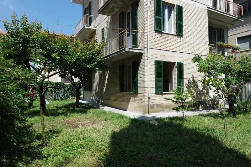 Soluzione Indipendente in vendita a Falerone, 8 locali, prezzo € 198.000 | Cambio Casa.it