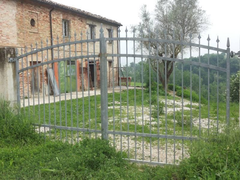 Casa indipendente in vendita a Mondavio (PU)