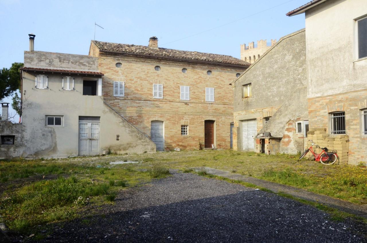 Rustico / Casale in vendita a Rapagnano, 23 locali, prezzo € 390.000 | CambioCasa.it