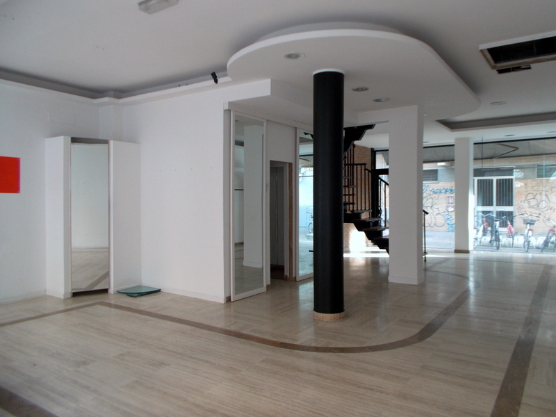 Negozio / Locale in affitto a San Benedetto del Tronto, 3 locali, prezzo € 3.500   CambioCasa.it