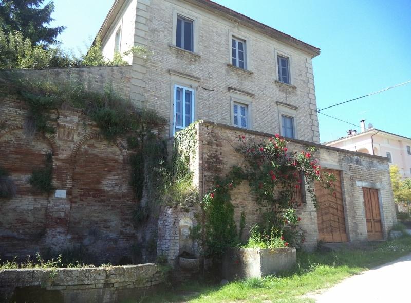 Soluzione Indipendente in affitto a Massignano, 8 locali, prezzo € 450 | Cambio Casa.it